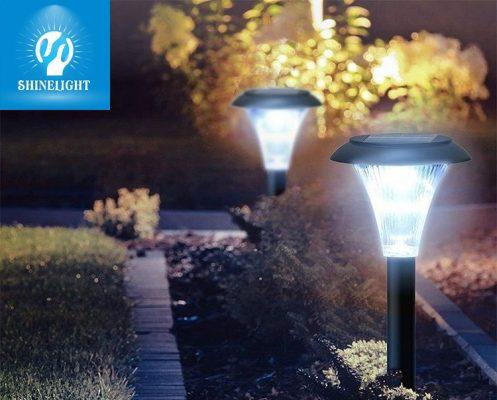 Đèn cắm cỏ năng lượng mặt trời