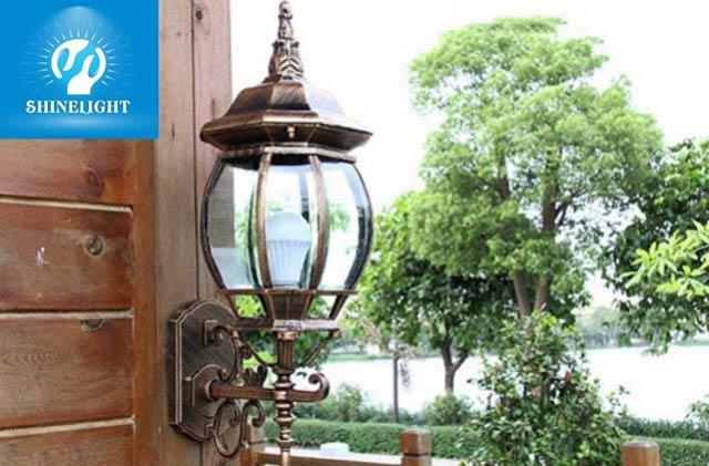 Chất liệu của đèn vườn thường làm bằng thủy tinh